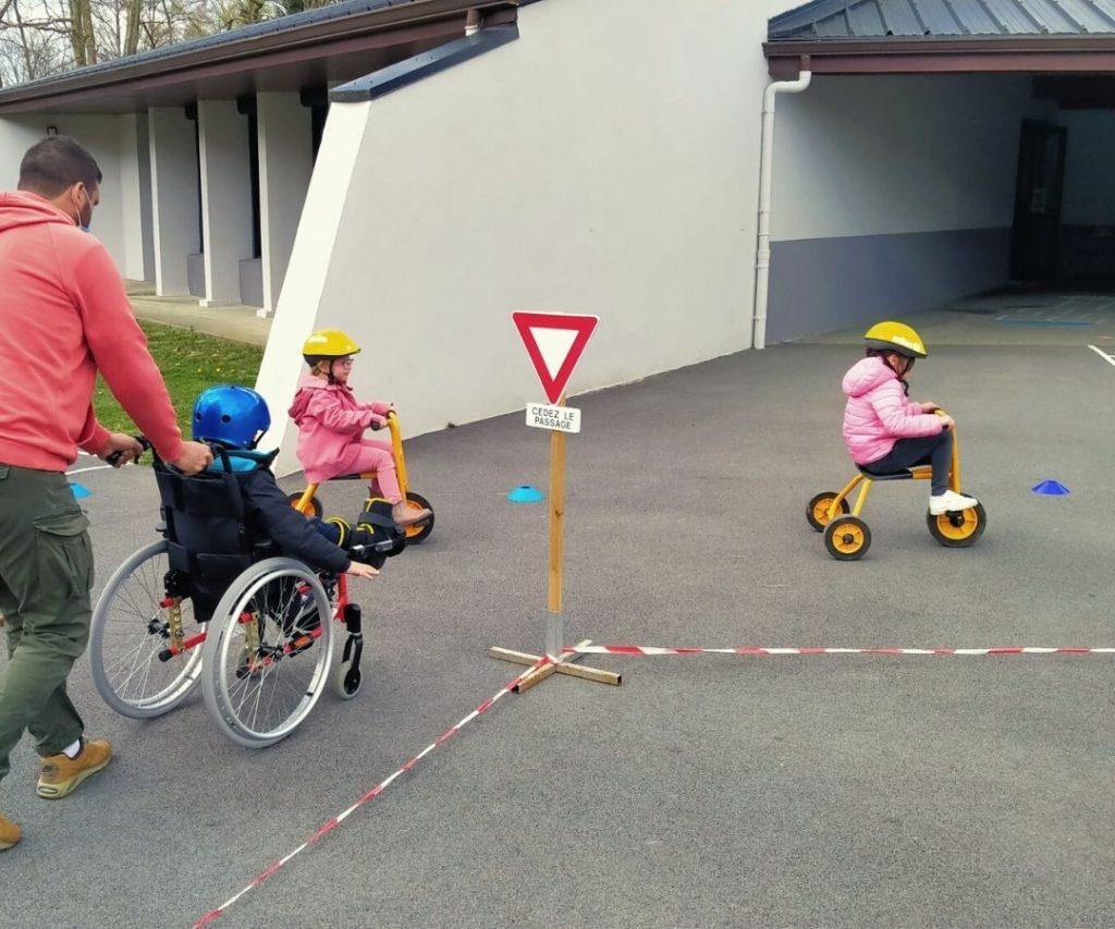 Atelier vélo école Charles Moureu - Tour de France